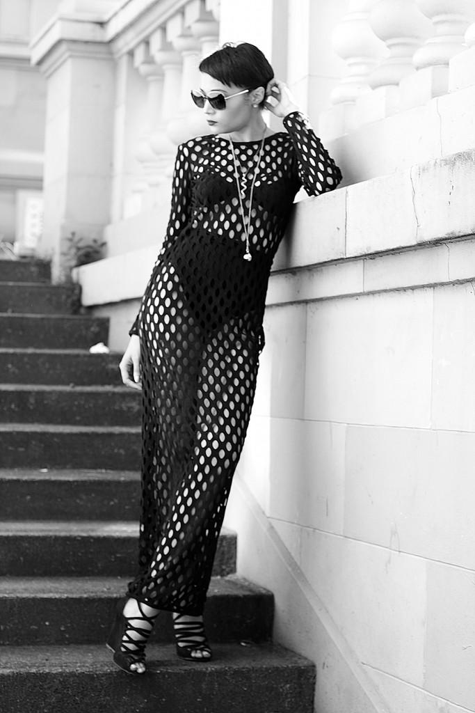 Fashion blogger Brett Robson HM Hole dress 10