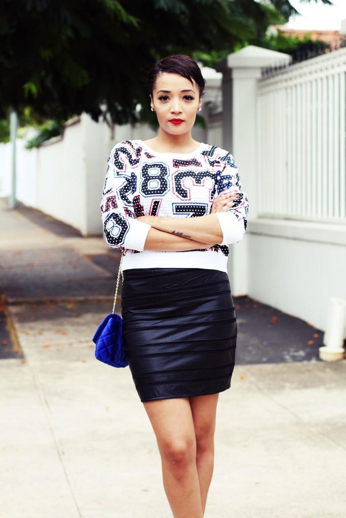 Fashion blogger wear stripe leather skirt 1
