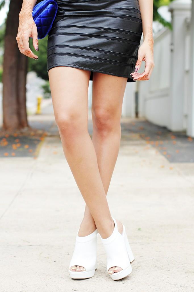 Fashion blogger wear stripe leather skirt 24