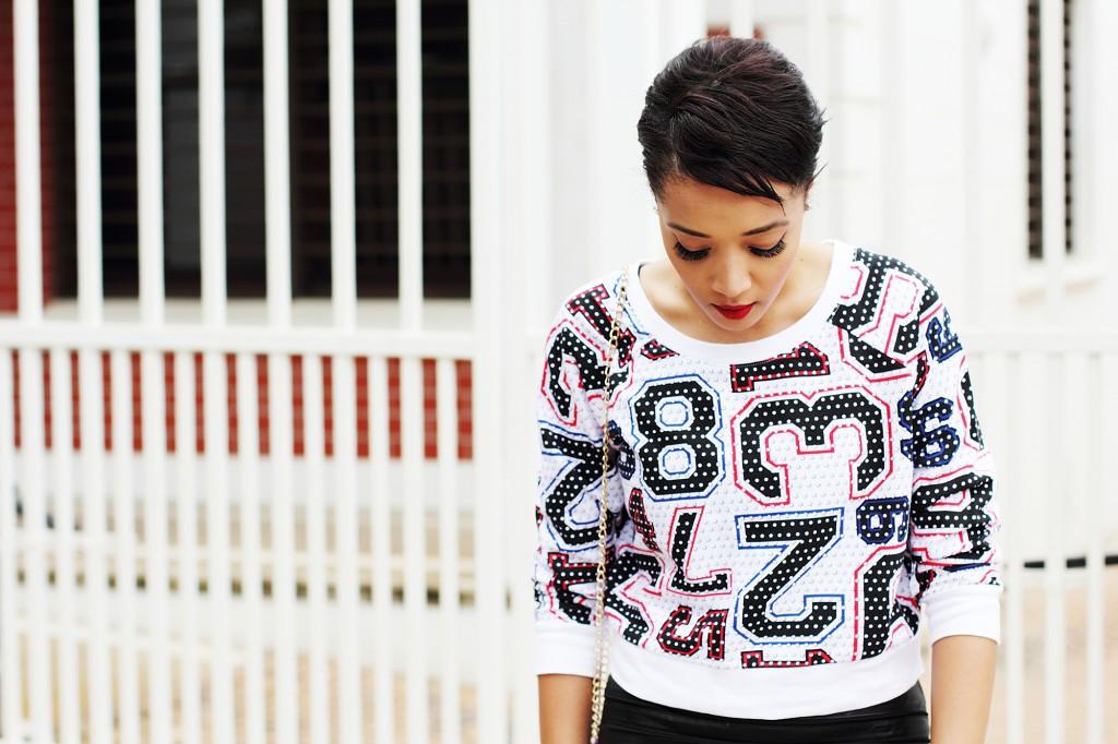Fashion blogger wear stripe leather skirt 5