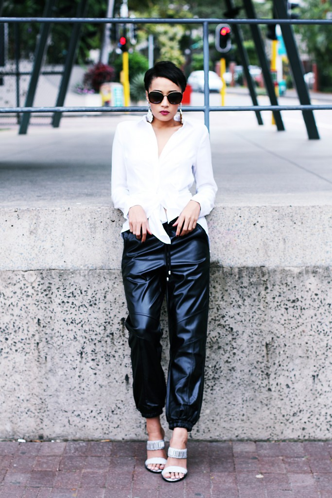 Fashion blogger wears leather jogger 4