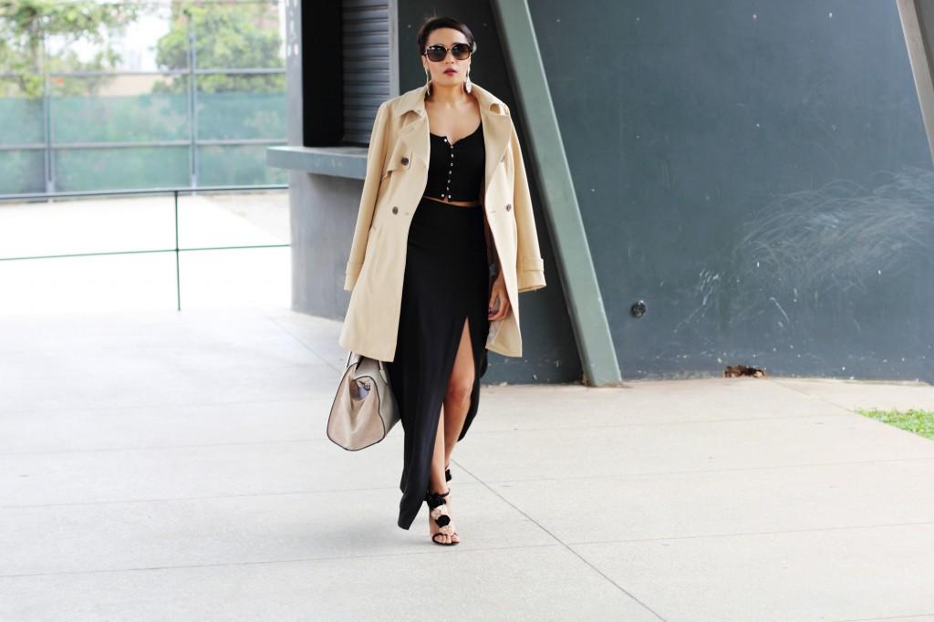 Fashion bloggger Brett Robson wearing camel coat 22