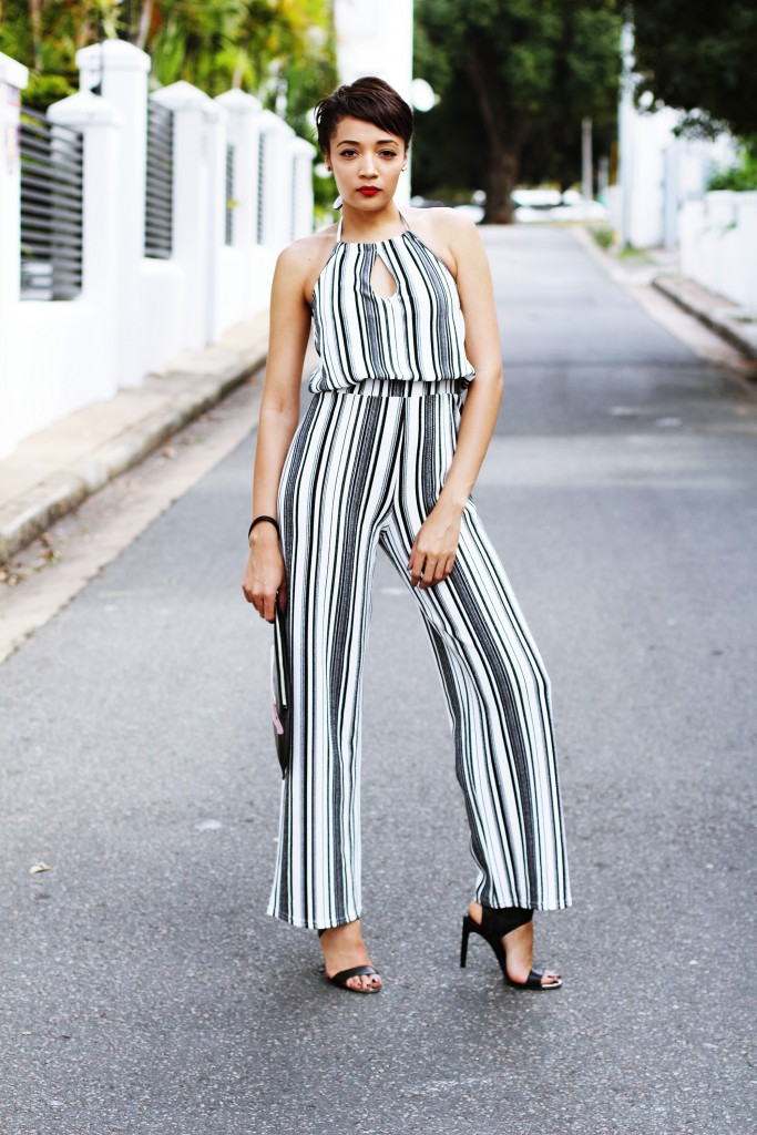 Fashion blogger wears stripe jumpsuit 1