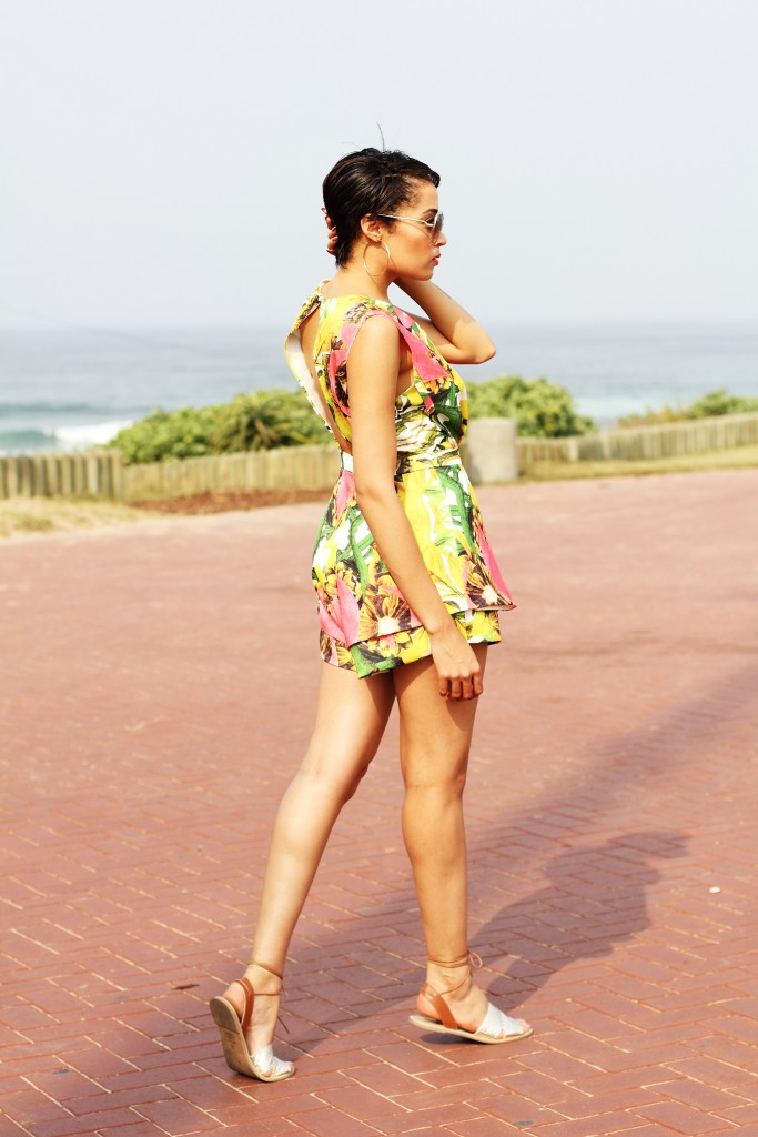Printed playsuit fashion blogger look 11