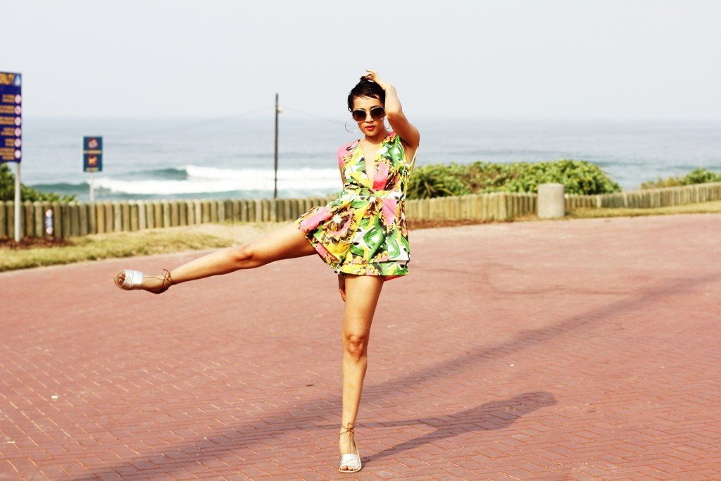 Printed playsuit fashion blogger look 8
